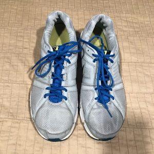Men's Nike downshifter 5 running shoes.